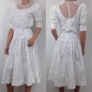 VTG 80s white puffy sleeve high neck tea dress D21